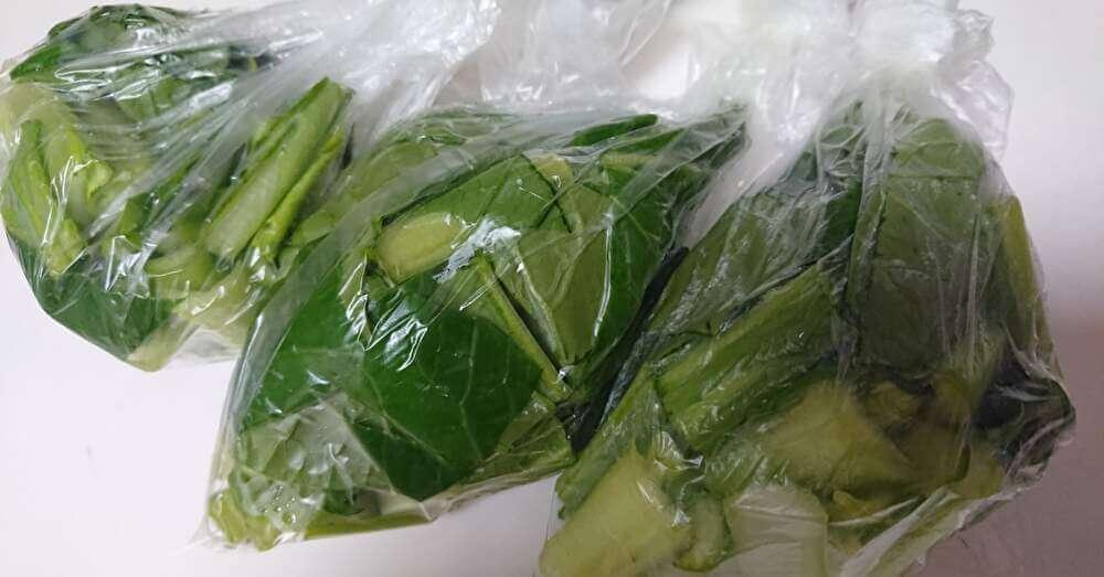 小松菜の袋分け